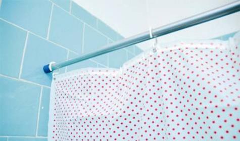 Como lavar cortinas de plástico