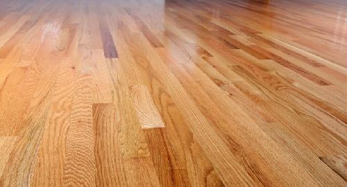 Cuidados a ter para não riscar pavimentos em madeira